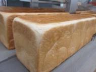 幼稚園・保育園、老人施設などの昼食パンも製造しています。